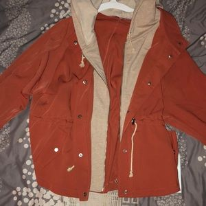 Super cute spring jacket! Never worn.